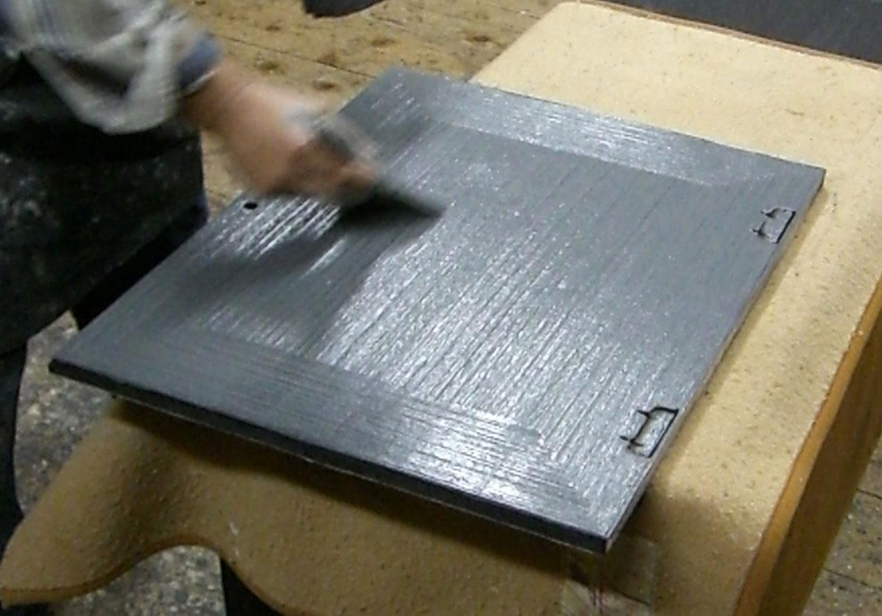 桐たんす時代仕上げ塗装トノコ塗りの映像