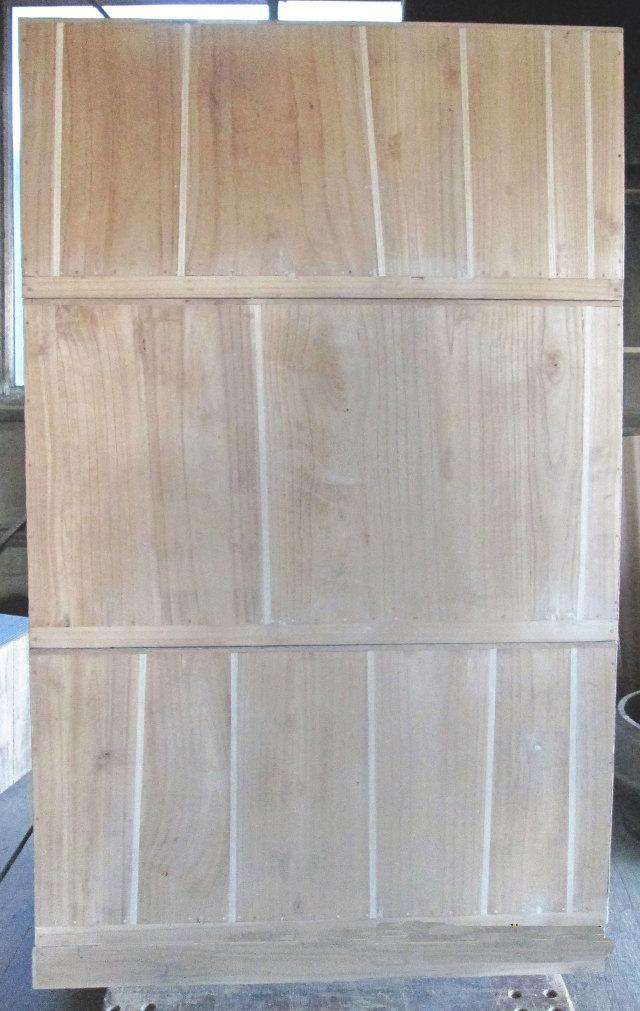 桐たんす修理時の背板部分の映像